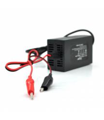 Зарядное устройство для аккумулятора с индикатором 12V / 1,5A, ОЕМ (110*59*40) 0,14кг