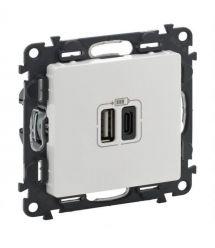 Legrand Valena Life Розетка с двумя USB-разъемами тип A + тип C 240V / 5V 3000мА, цвет белый